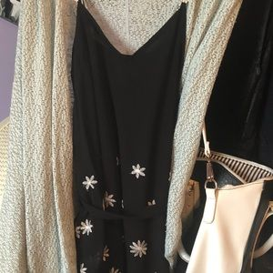 Black and white daisy dress